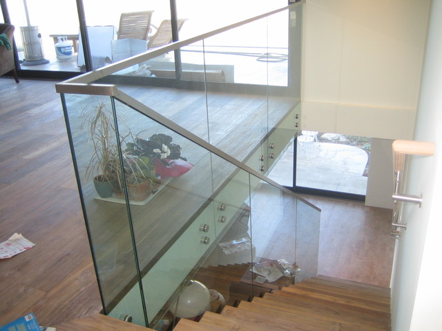Stair And Deck Railings With Standoffs Contemporary