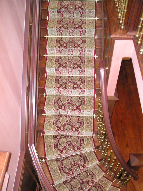 Stair Runners traditional-staircase