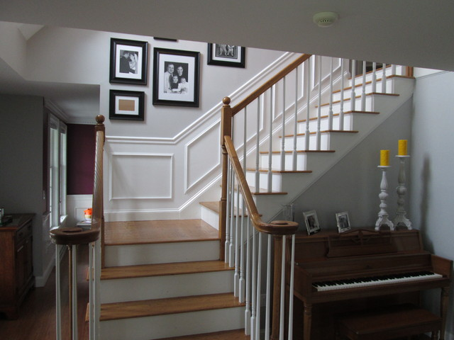 Merveilleux Stair Wainscoting Traditional Staircase