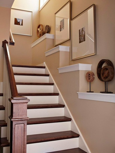 staircase wall decorating ideas - Traditional - Staircase - Other ...