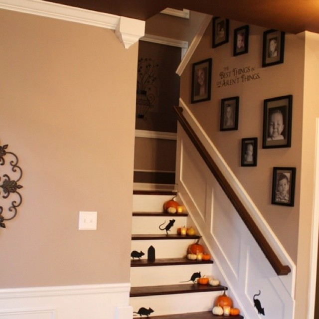 Wall Decor For Stairs : Staircase wall decorating ideas traditional