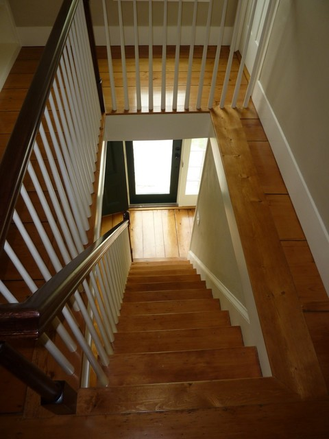 Stairwell Restoration and Built In Bookshelves traditional-staircase