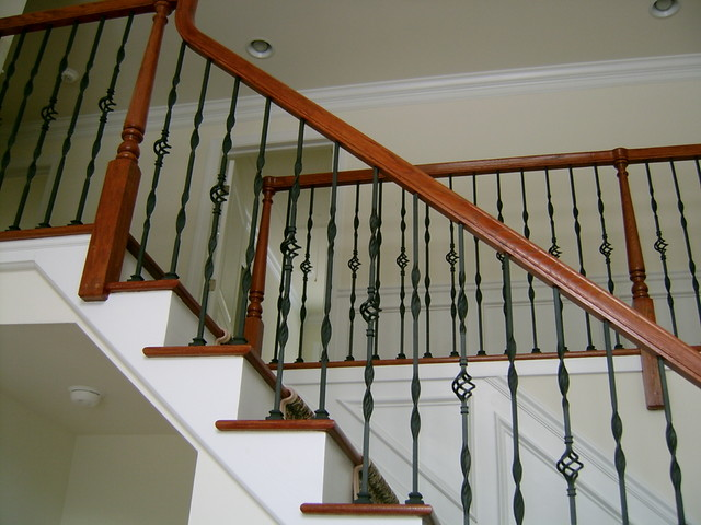 Metal Baluster With Wood Hand Rail Traditional