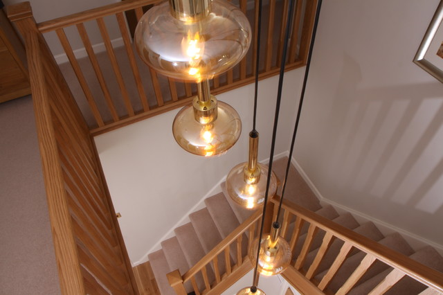 Stop Chamfered Oak Spindles With