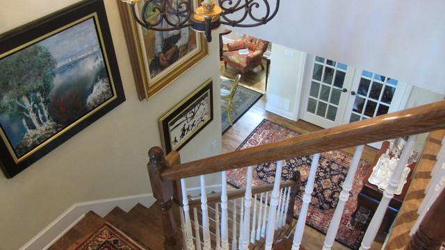 Suburban home traditional-staircase