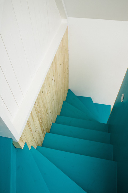 modern staircase by LASC Studio