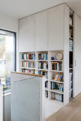 10 Smart Ways to Add Some Shelves to Your Stairwell