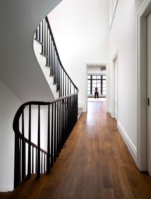 Staircase - contemporary staircase idea in New York