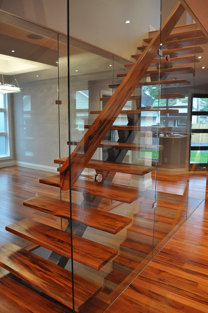 Tigerwood Center Stringer Contemporary Staircase