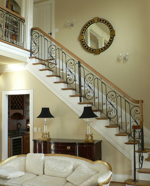 Traditional Railing traditional-staircase