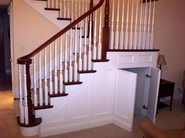 Traditional Staircase With Wainscoting Traditional