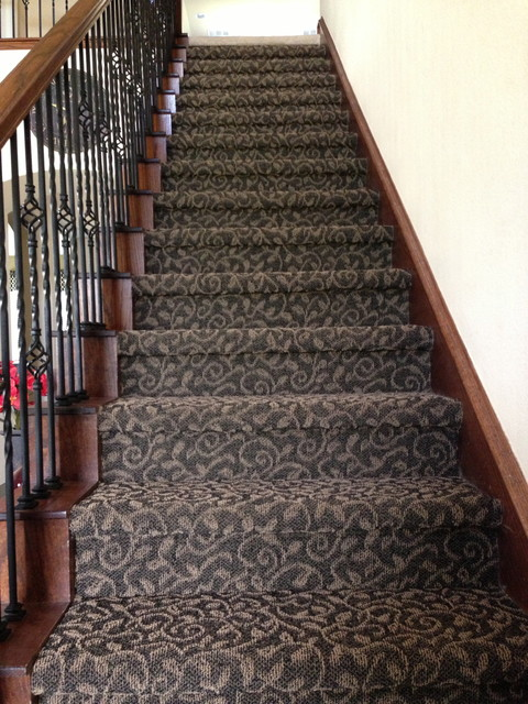 Tuftex Bella Flora Carpet Stairs traditional-staircase