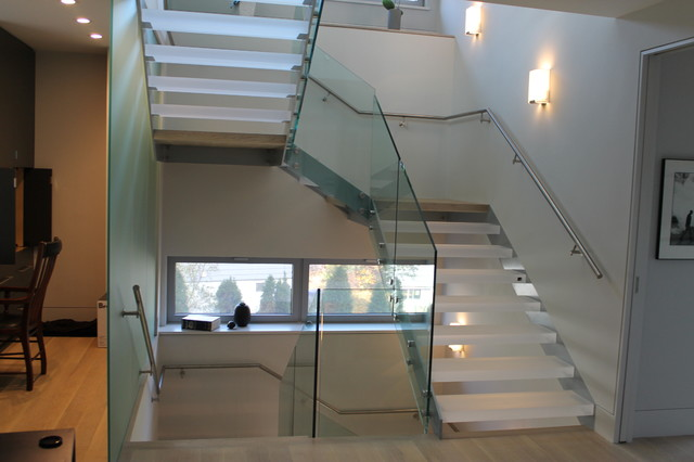 U Shaped Stair With Acrylic Treads And Glass Railing
