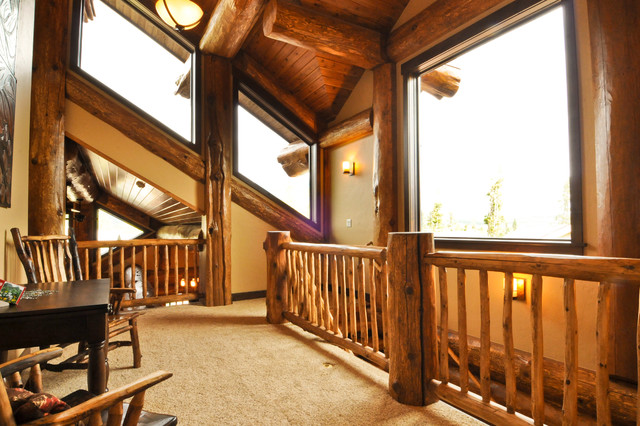 Western red cedar ranch style log home traditional Ranch style staircase