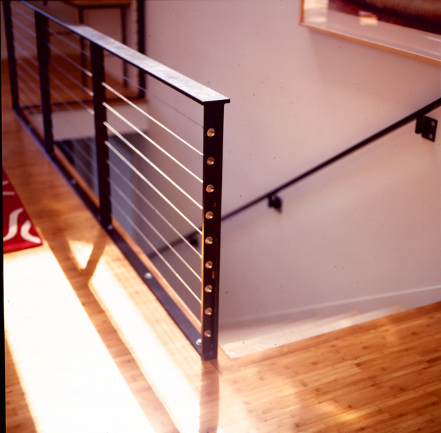 Good Wire Rail Modern Staircase