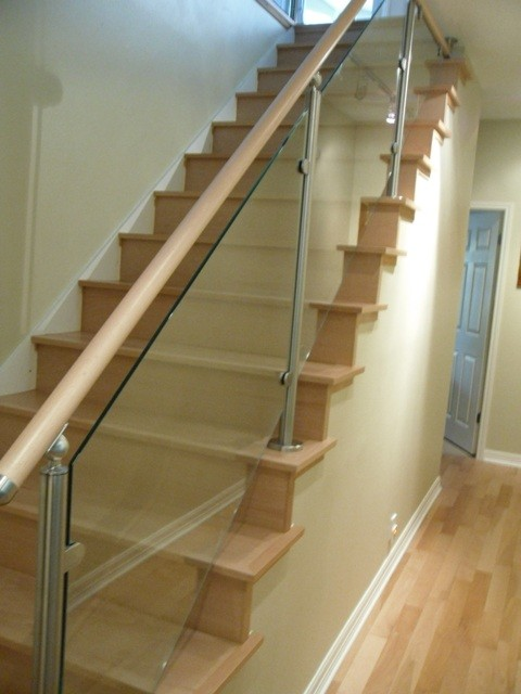 High Quality Wood Stairs And Stainless Steel/Glass Railings Contemporary Staircase