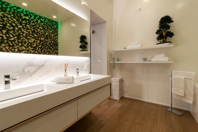 Sala Da Bagno Lusso : Appartamento di lusso a chiaia contemporaneo stanza da bagno