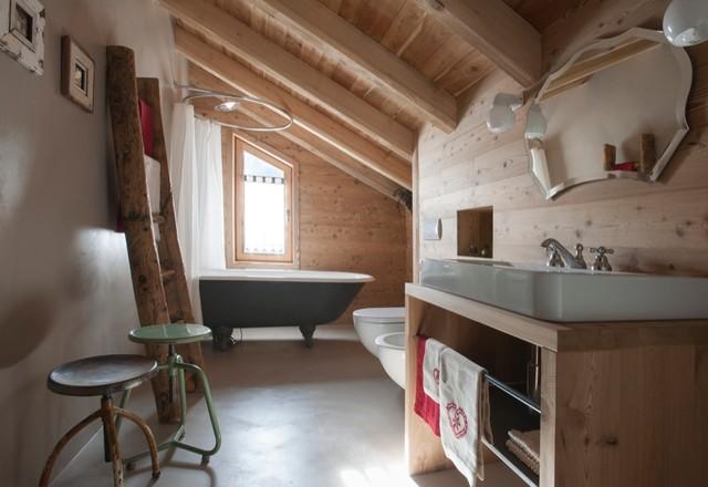 Arredamento a gressoney in montagna stanza da bagno for Arredamento di montagna