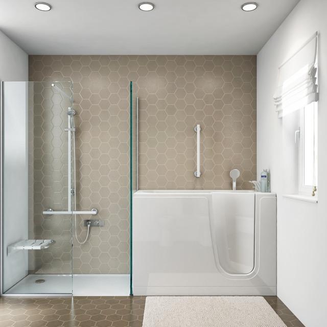 Bagno con vasca con porta e box doccia - Al Mare - Stanza da Bagno ...