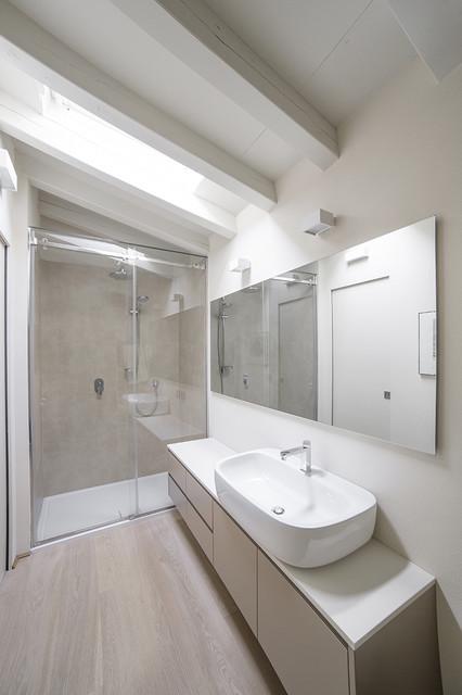 Bagno padronale contemporaneo stanza da bagno milano - Bagno padronale ...