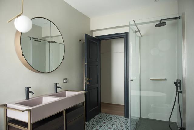 Bagno Padronale Con Vasca E Doccia Contemporary Bathroom