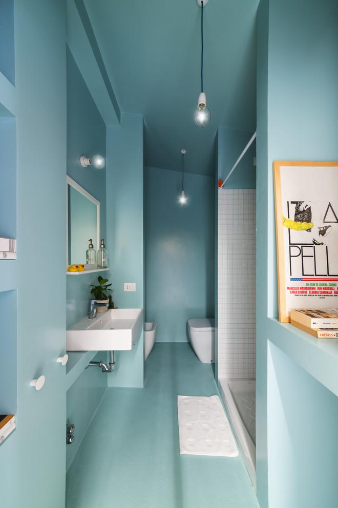 Immagine di una piccola stanza da bagno con doccia nordica con doccia alcova, bidè, piastrelle bianche, piastrelle in ceramica, lavabo rettangolare e doccia con tenda
