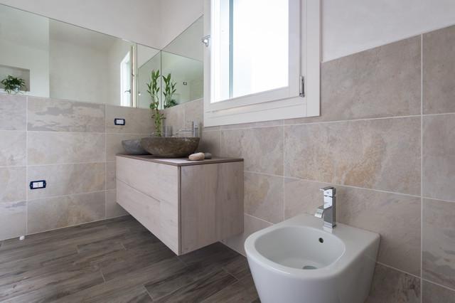 Casa bd contemporaneo stanza da bagno venezia di florian