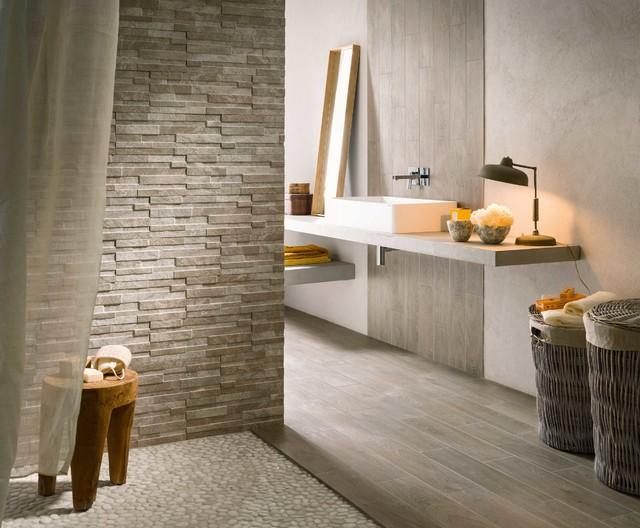 Effetto legno contemporaneo stanza da bagno bologna di iperceramica - Piastrelle pietra bagno ...