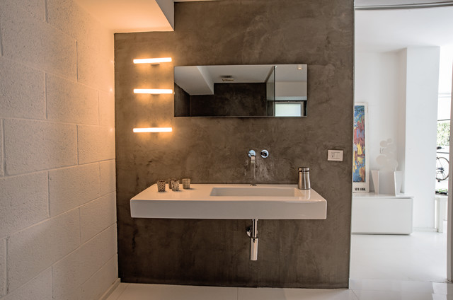 Garage House in Sicilia modern-bathroom