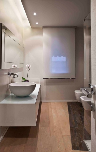 Inspiration for a contemporary bathroom remodel in Florence