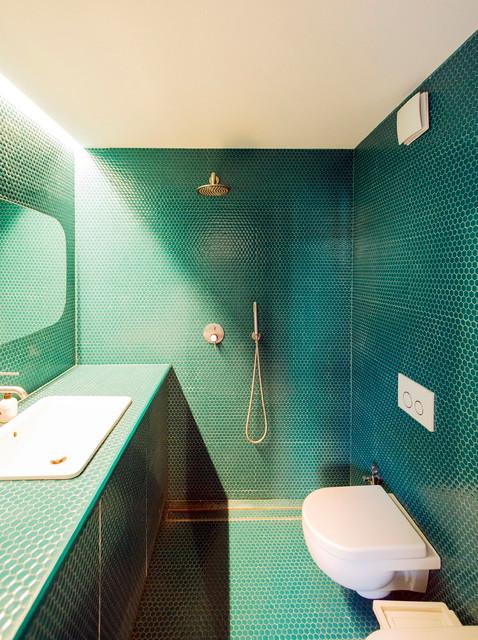 Accessori Bagno Verde Acqua.16 Idee Per Rivestire Il Bagno Con Piastrelle Verde Smeraldo