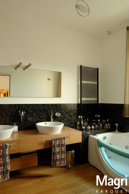 Parquet in rovere per un 39 ambientazione moderna moderno - Parquet in bagno consigli ...