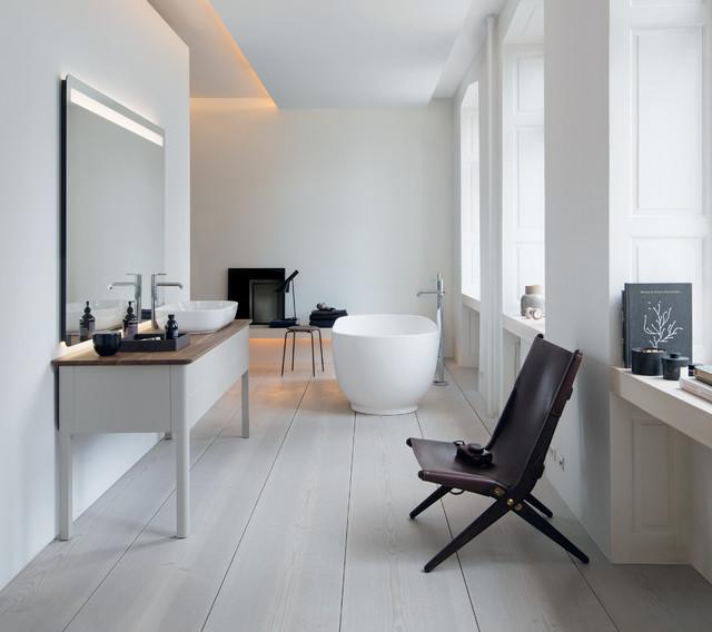 Purismo nordico ed eleganza senza tempo - Modern - Badezimmer - von ...