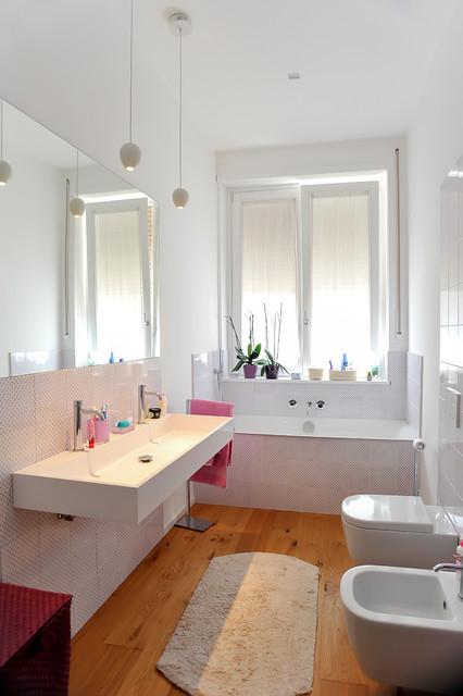 Sant 39 erasmo apartment moderno stanza da bagno roma - Stanze da bagno moderne ...
