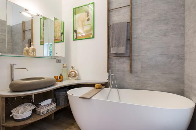 Una casa wellness con giardino zen orientale-stanza-da-bagno