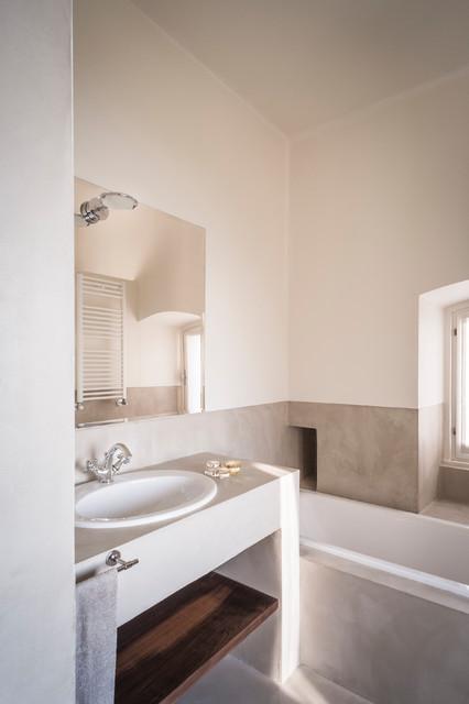 Immagine di una stanza da bagno stile marinaro