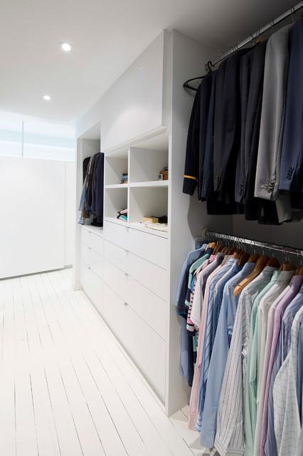 Bellevue Hill House contemporary-closet