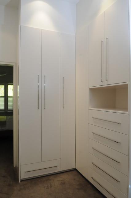Family home, Melbourne Australia contemporary-closet