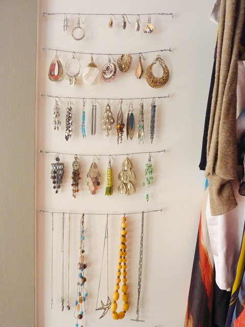 Jewellery rack contemporary-closet