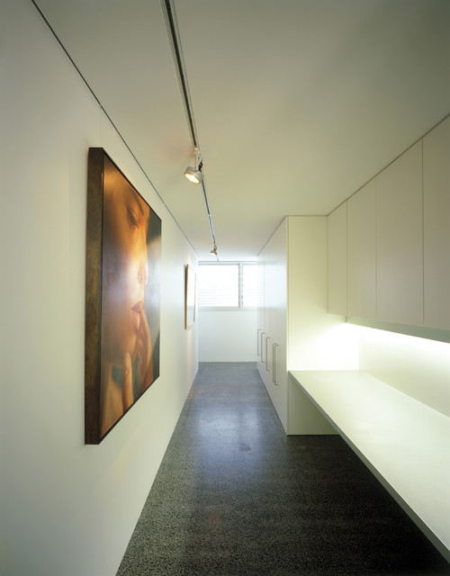 Cohen House - modern - closet - sydney - by Ian Moore Architects