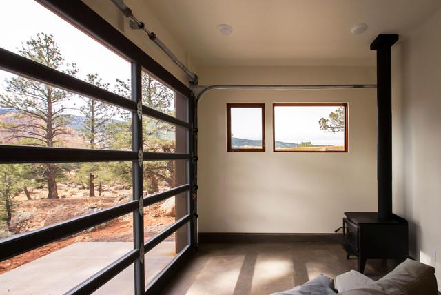 capitol reef studio garage industriel v randa et verri re salt lake city par imbue design. Black Bedroom Furniture Sets. Home Design Ideas