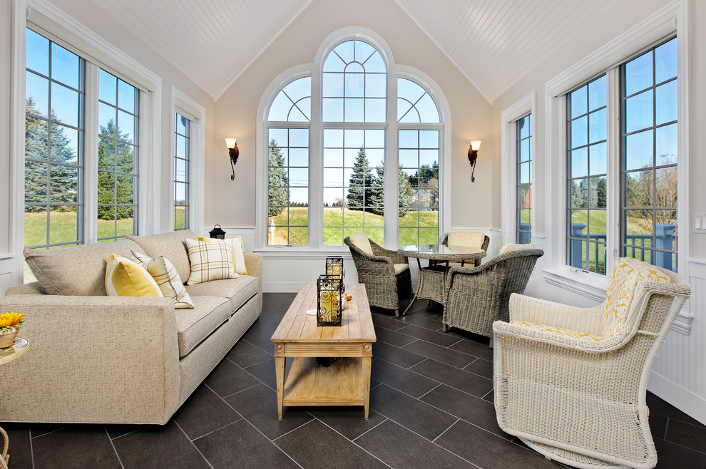 Sunroom - traditional sunroom idea in Chicago with a standard ceiling