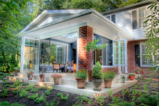 Garden sunroom in berwyn traditional sunroom philadelphia by karen beam architect llc for Sunroom garden room