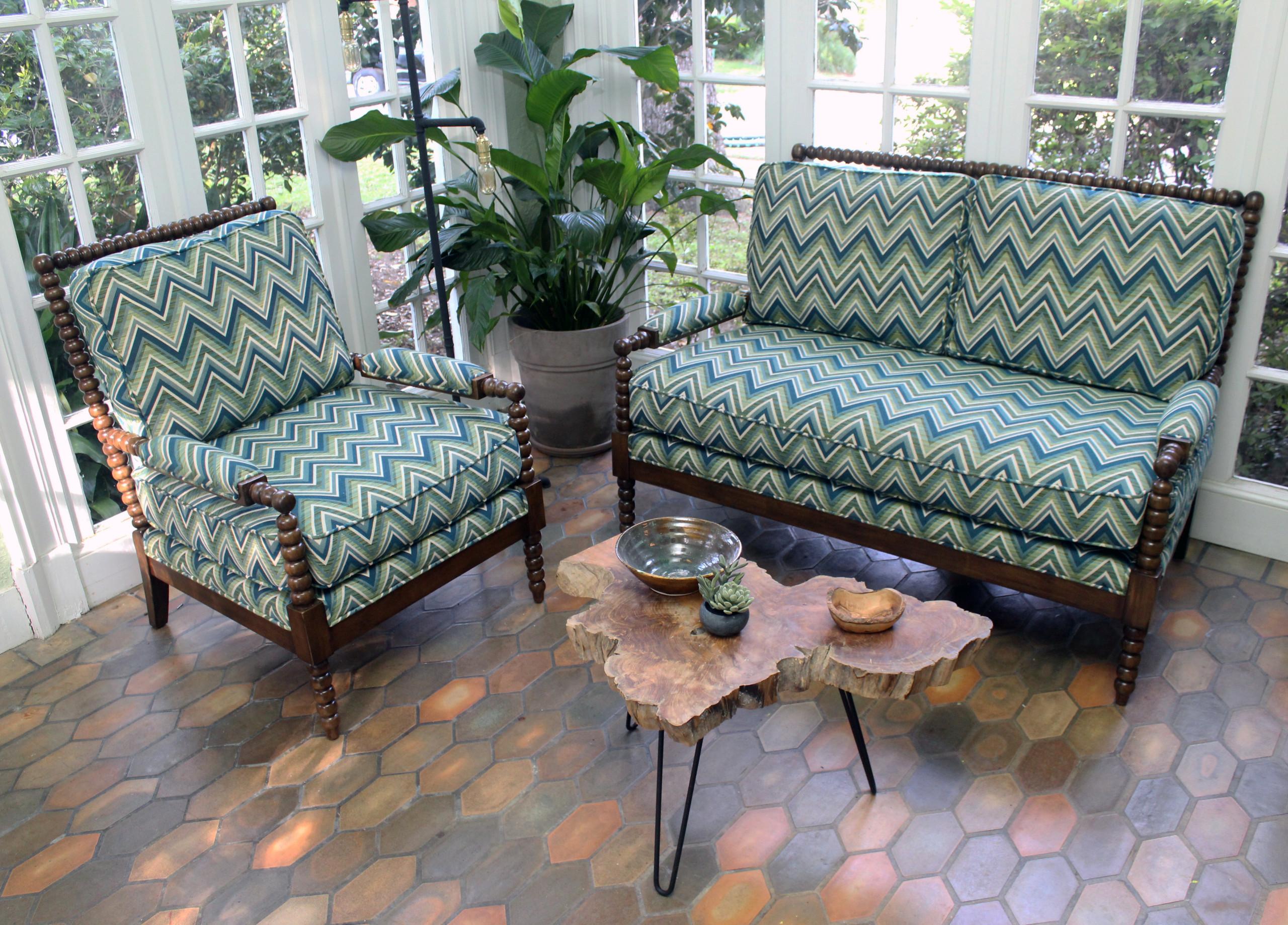 Los Robles Sunroom Furniture