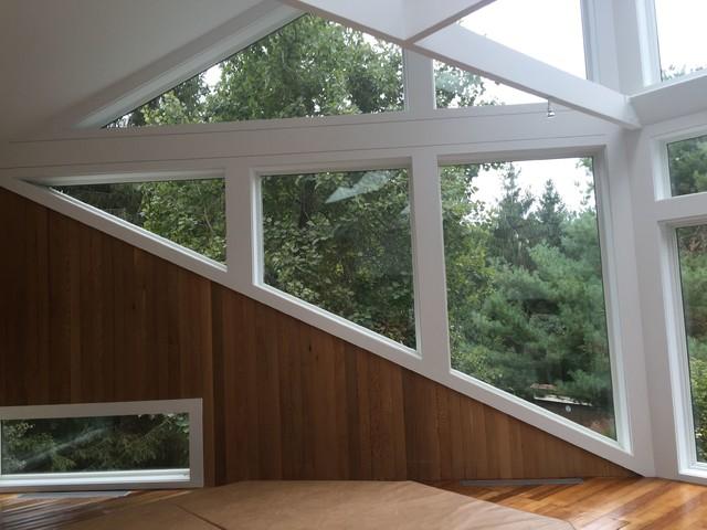 Modern sunroom for Idee di veranda posteriore per case in stile ranch