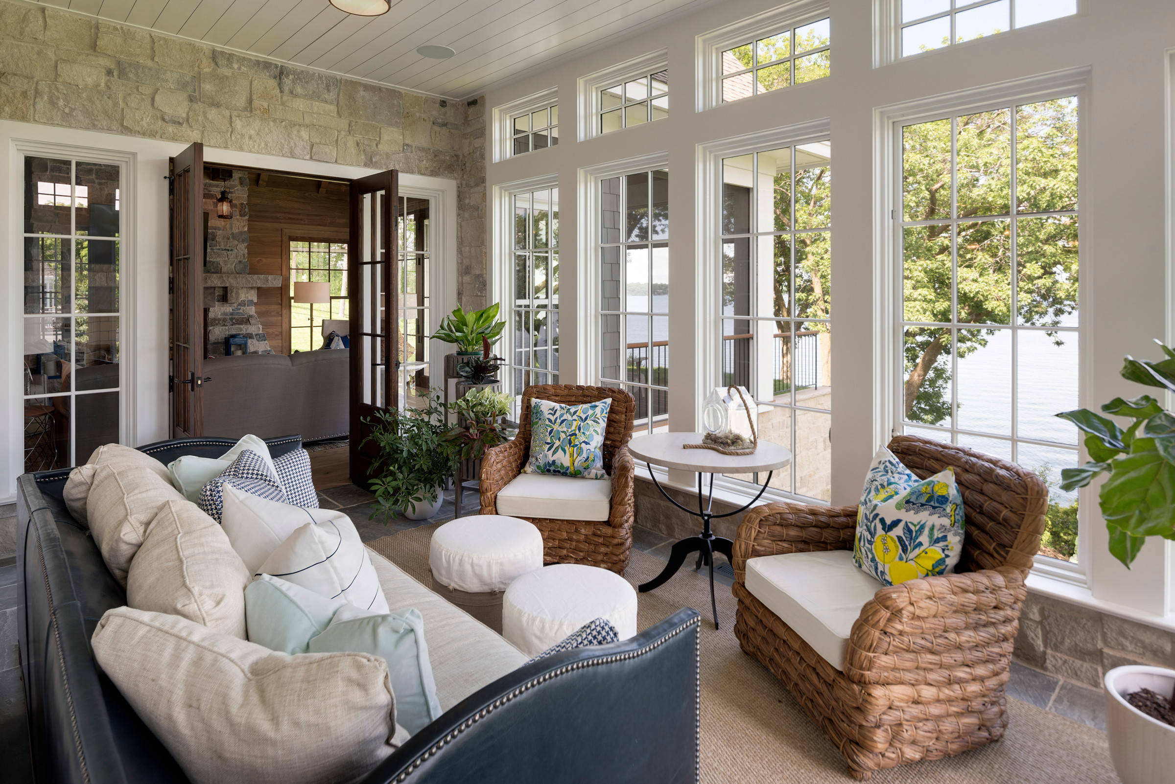 21 Beautiful Mid-Sized Sunroom Pictures & Ideas - September, 21
