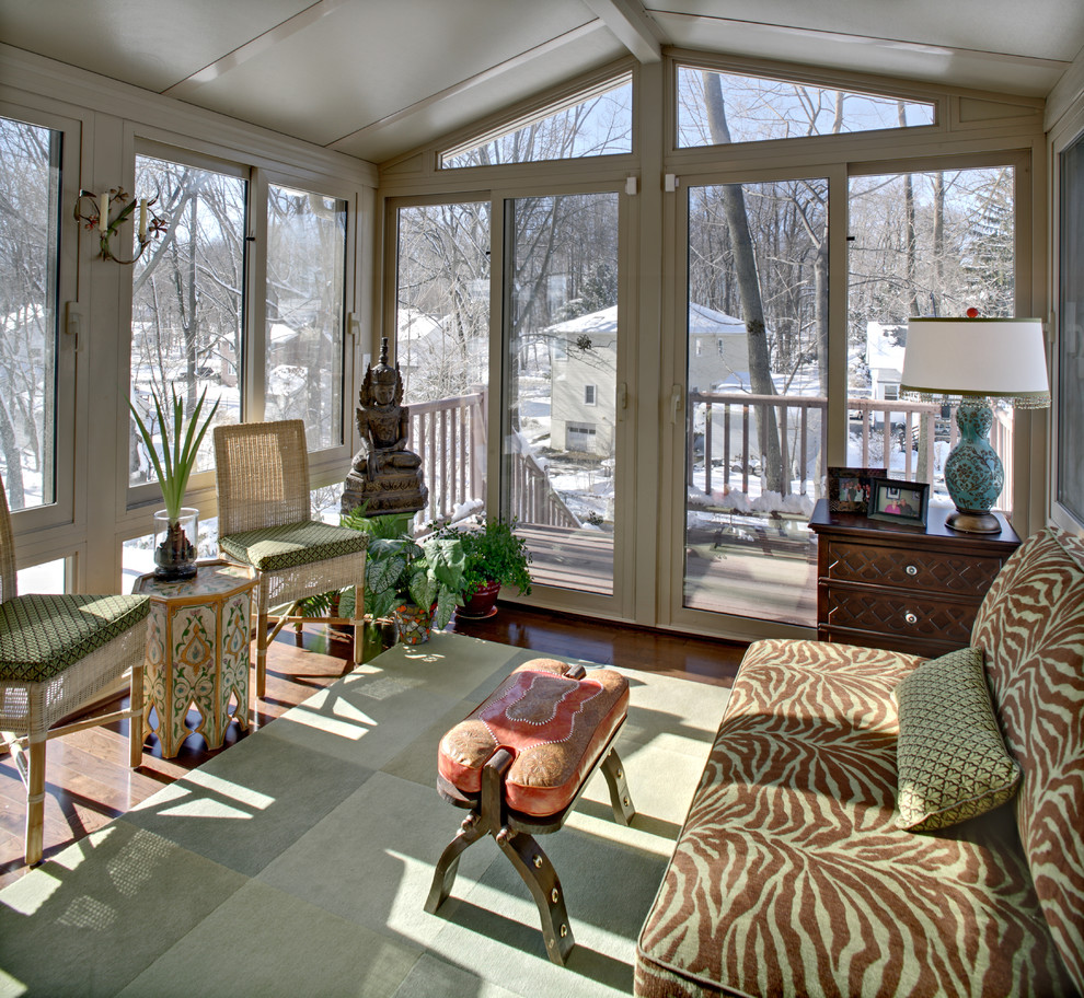 Inspiration for a small eclectic sunroom remodel in Newark with a standard ceiling