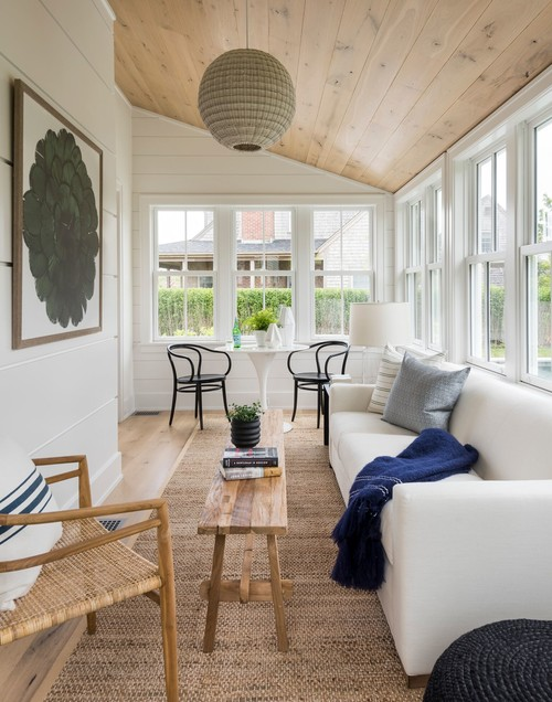 Sunroom decorated as a relaxing part of the home