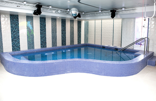finsbury park hydrotherapy pool contemporary swimming pool hot tub london by