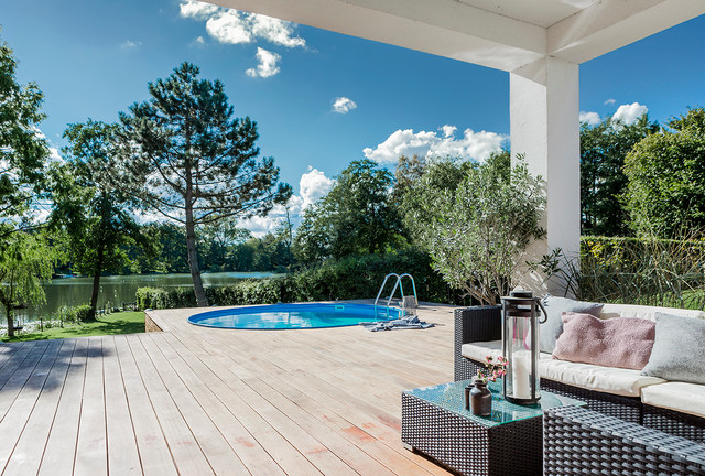 Udendørs Terrasse : Funkis med udend u00f8rs pool og overd u00e6kket terrasse